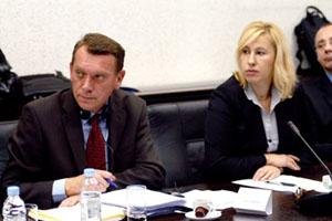 Zagreb, 10. prosinca 2009. Ivica Perović, državni tajnik za prometnu inspekciju i Katarina Čop Bajde, ravnateljica Uprave za strateške i infrastrukturne projekte