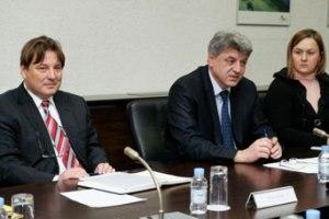 Zagreb, 10. veljače 2012. - Zlatko Komadina, ministar pomorstva, prometa i infrastrukture sa suradnicima održao je sastanak s predstavnicima EIB-a o sufinanciranju projekata u djelokrugu Minstarstva