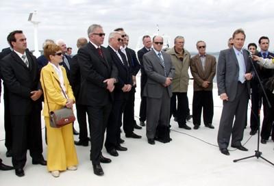 Ministar Kalmeta u nazočnosti premijera Ive Sanadera i gradonačelnice Šibenika Nede Klarić otvara sanirano pristanište na Zlarinu