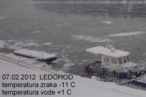 Slavonski Brod, 8. veljače 2012. - ledostaj na Dunavu