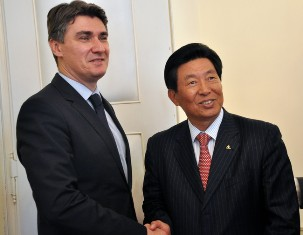Zagreb, April 23 2012 - Primeminister Zoran Milanović with Jiafuom Wei, director of the Chinese shipping company China Ocean Shipping Company (COSCO), at the work meeting participated Siniša Hajdaš Dončić, Minister of Maritime Affairs, Transport and Infrastructure